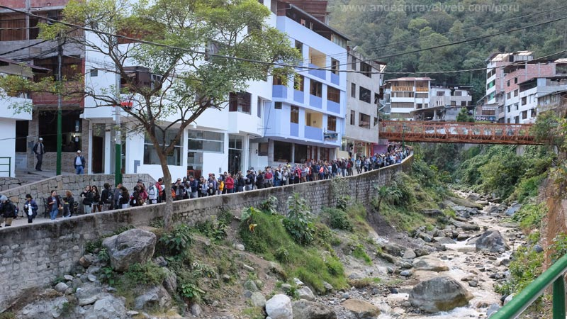 Queue for the bus to Machu Picchu first thing in the morning