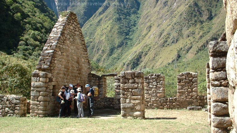Chachabamba Ruins at start of the 2 day Inca Trail