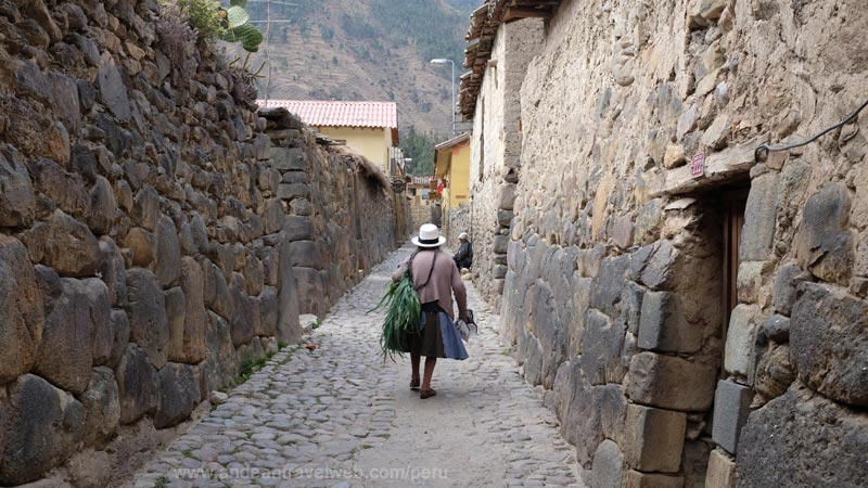 Typical back streets in the old town of Ollantaytambo